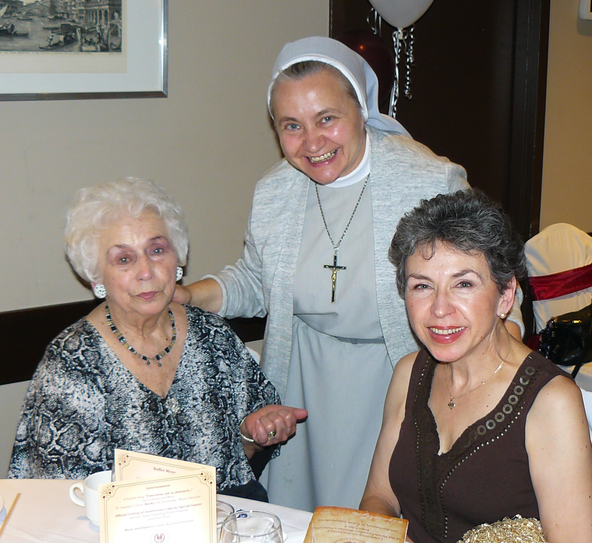 S. Stawecka and her daugher , sister Renata,