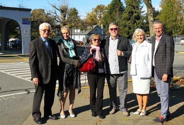From the left A. Kostka, President Tri-City Polonez I. Swiatczak, President CPC BC H. Kostka, Vice-President Tri-City Polonez A. Ddobrowolski, Vice-President CPC BC J. Dobrowolska, Tri-City Polonez S. Swiatczak, Tri-City Polonez