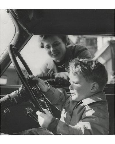 "BERT HARDY (1913-1995) – ""Ingrid Bergman et son fils"""