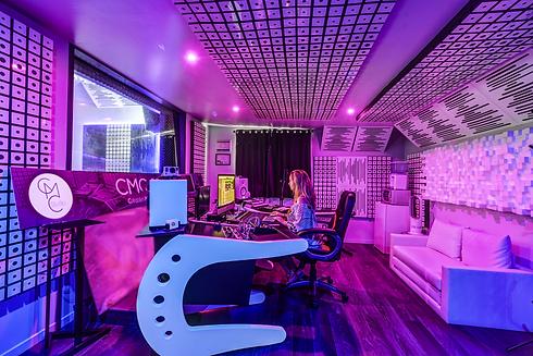 studio-1_13r.png