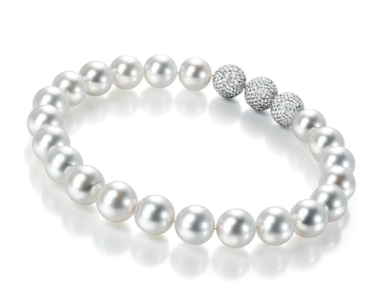 GELLNER Maxima the world's biggest South Sea cultured pearl necklace