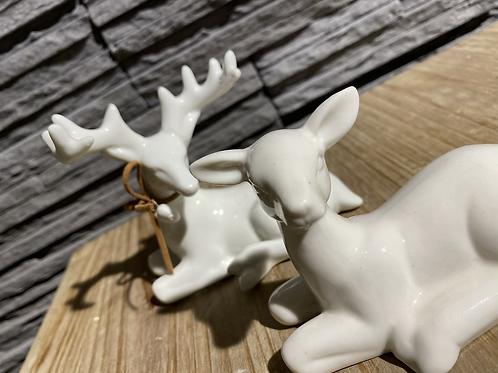 Porcelijnen hertje met halsband