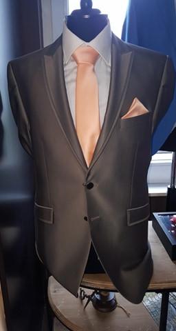 (1) Costume 2 pièces 725€-50%