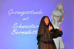 Schwester Bernadetta 1180++.JPG