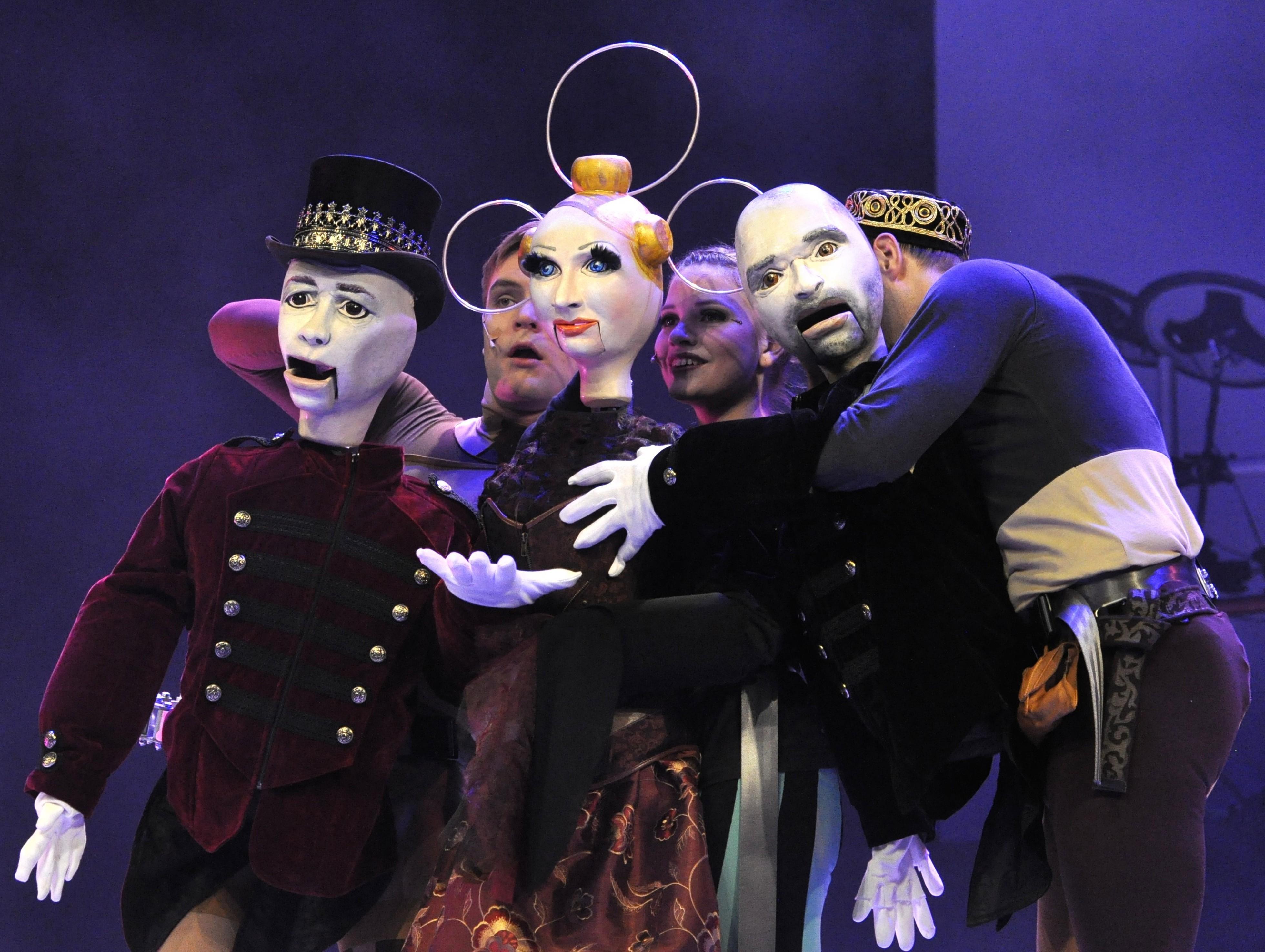 HAMLET 03 Schauspiel im Schauspiel (Philipp Lang, Mona Mucke, Daniel Sprint)