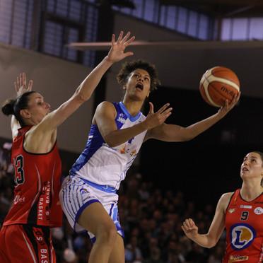 En play-offs de NF1, Florine Basque a éclaboussé la salle Mandela de son talent.