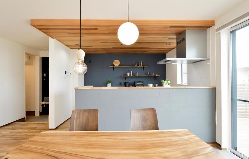 カフェのような雰囲気のキッチン