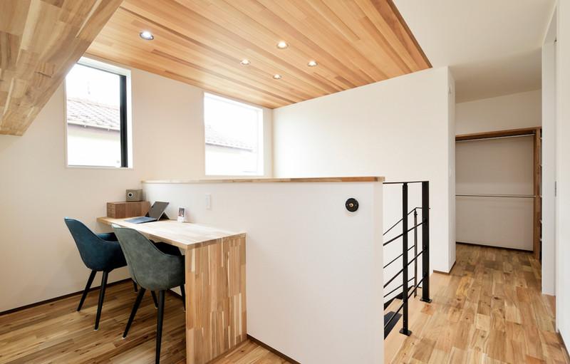 空間を有効利用したオープンな書斎