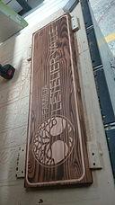 letreros y maderas talladas en Solucion Espacial Chile