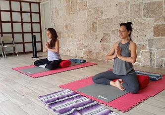 YogaTerapeutico2.jpg