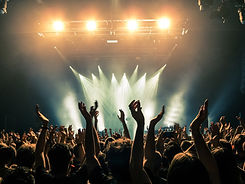 Concert-crowd-with-silhouettes-of-people