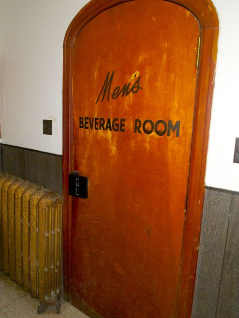 Men's Beverage Room