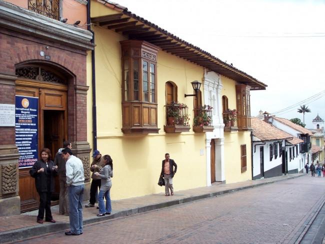 Fachada da escola International House Bogotá