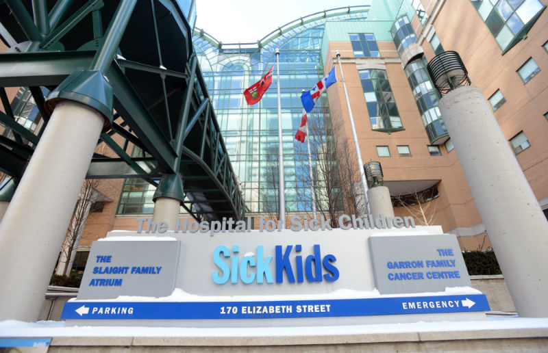 "Fachada do Hospital ""Sick Kids"""