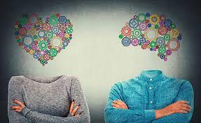 Las respuestas serán muy diversas y encontradas, pero yo te digo que sí, es importante lo que pensamos de como nos vemos y qué sentimos al vernos.