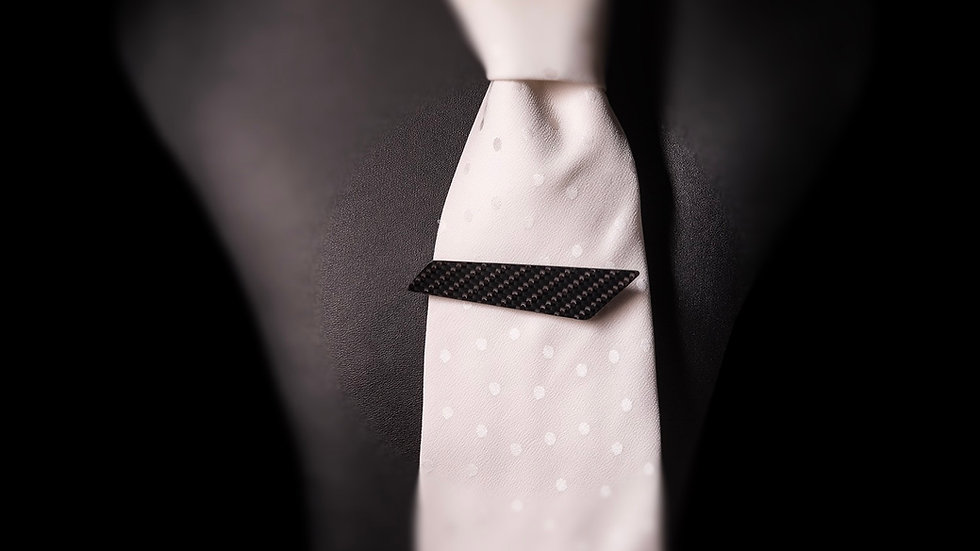 Krawattennadel aus Carbon