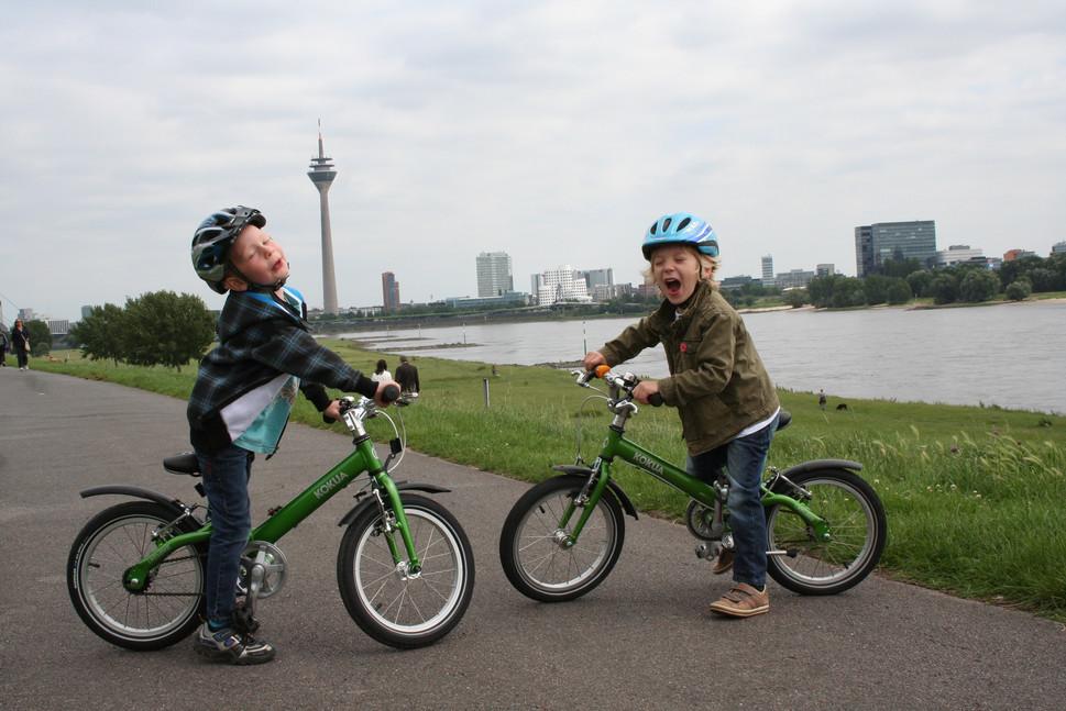 liketobikers by the Rhein.jpg