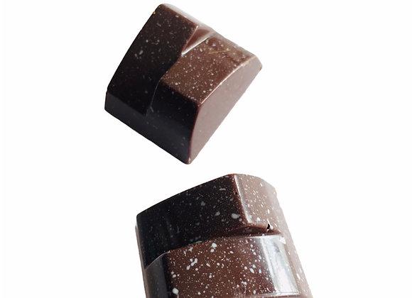 Bombón de chocolate bitter sólido  50 gr