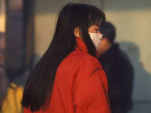 En China, una mujer fue condenada a un año de prisión por ocultar síntomas de coronavirus