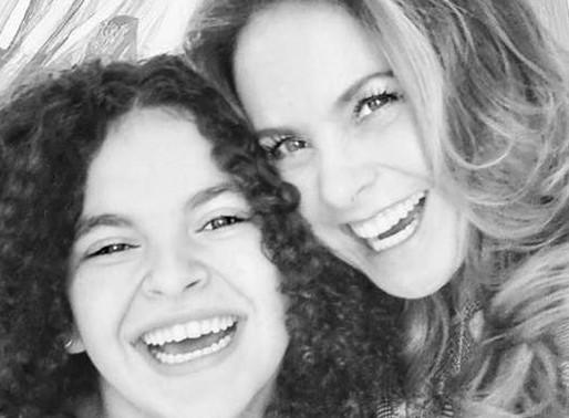 Lucero planea una gira conjunta con su hija Lucerito