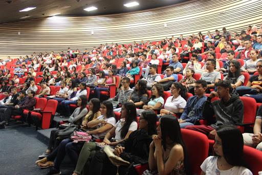 Estudiantes de educación superior pública de estratos 1, 2 y 3 tendrán matrícula gratuita.