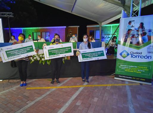 Comfenalco Tolima y Constructora Torreón hicieron entrega simbólica de 1.200 subsidio de vivienda