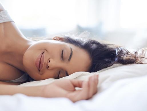 Los alimentos que no se deben consumir en la noche para poder dormir bien