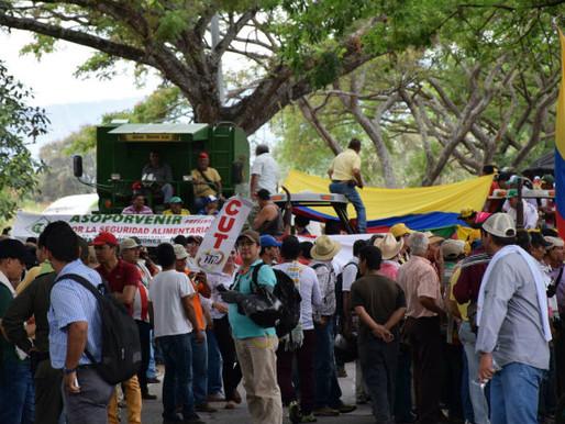 Continúan los bloqueos de vías en Tolima