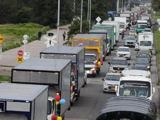Camioneros que transportaban medicamentos para UCI de Bogotá e Ibagué fueron atacados
