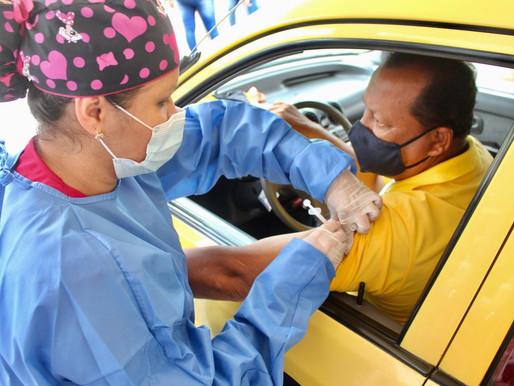 Hoy aplicarán segunda dosis de vacunación para taxistas en Ibagué