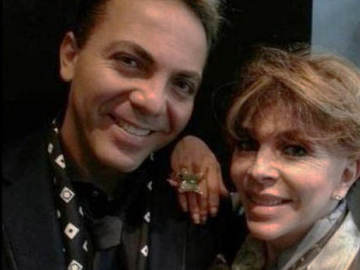 Cristian Castro muestra su incondicional apoyo a su madre Verónica Castro
