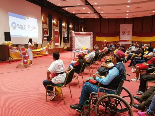 En jornada de atención integral, más de 120 vendedores de lotería recibieron asesoría para el Sisbén