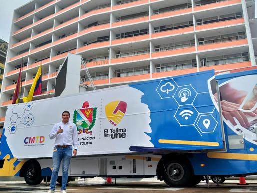 El bus TIC enciende motores para cumplir con la ruta TIC por el Tolima
