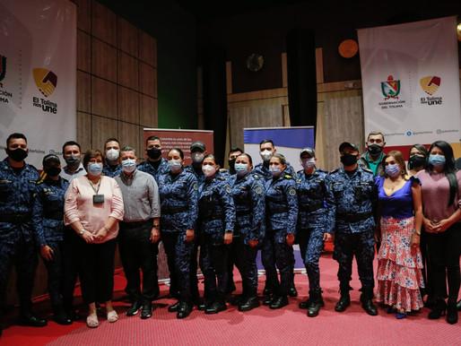 Internos y guardianes del COIBA de Picaleña van a la universidad becados por la Gobernación