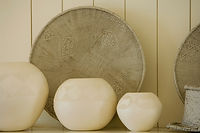 3 White Vasen