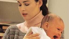 Waarom huilt mijn baby en is dit normaal babygedrag ?