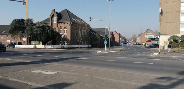 Kreuzung Brühler Landstraße/Alte Fischenicher Straße