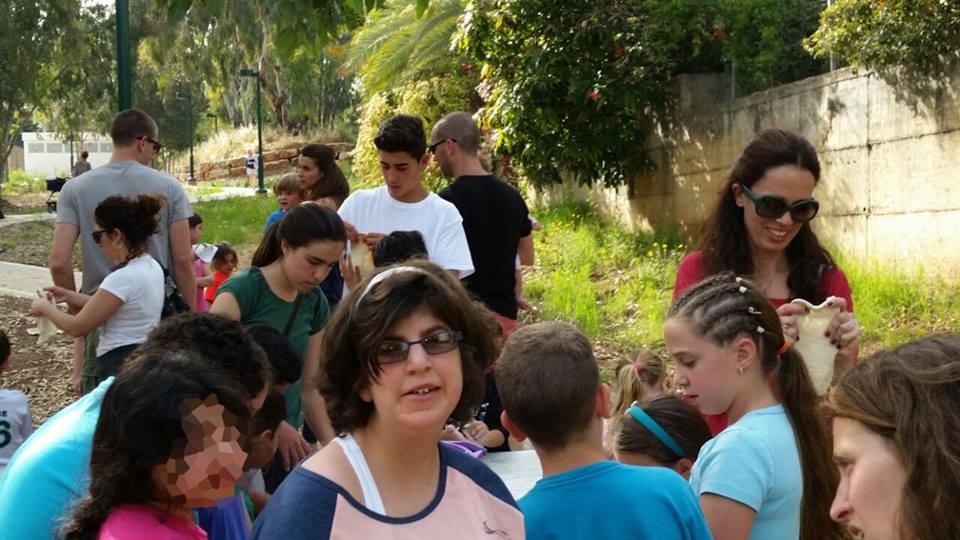 2  2015   אירוע אביב בגינה הקהילתית