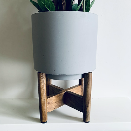 Concrete pot with Wooden Stand