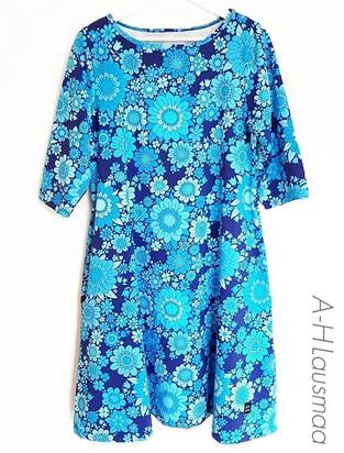 LindaForsberg_BlossomBlue.jpg