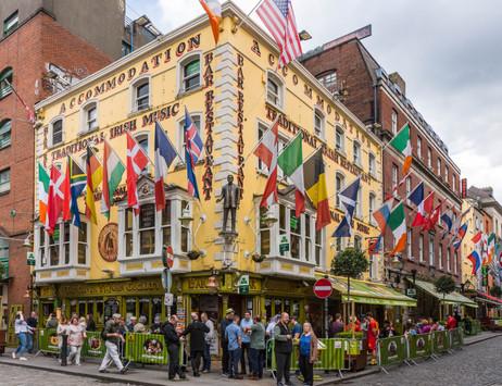 Pub Life in Temple Bar - Dublin