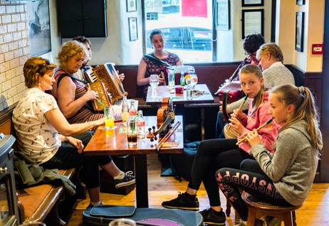 Fun Among the Generations - Trad Music in Dingle
