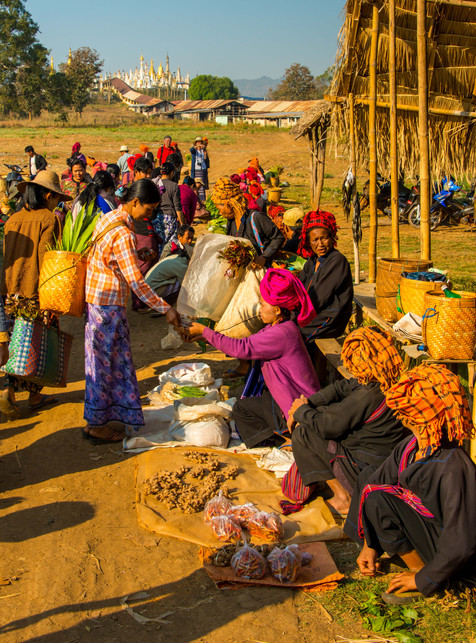 Hill Tribes at the Daily Market - Inle Lake