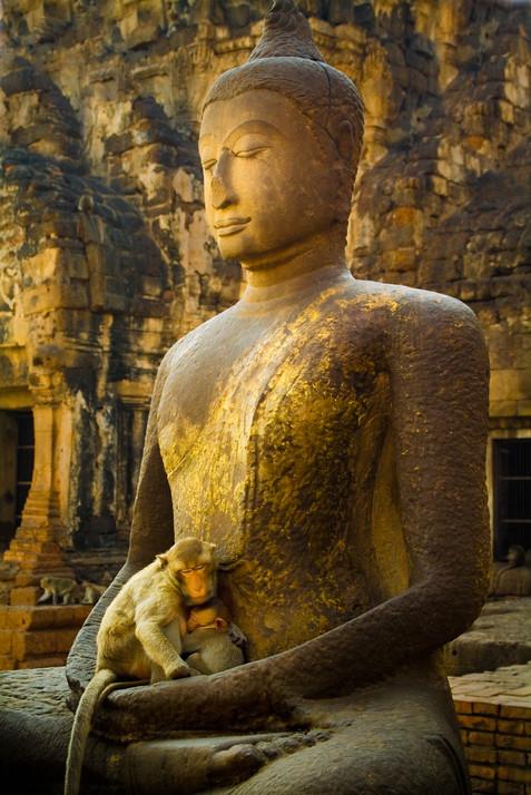 Buddha Madonna - Phra Prang Sam Yod Temple, Lopburi