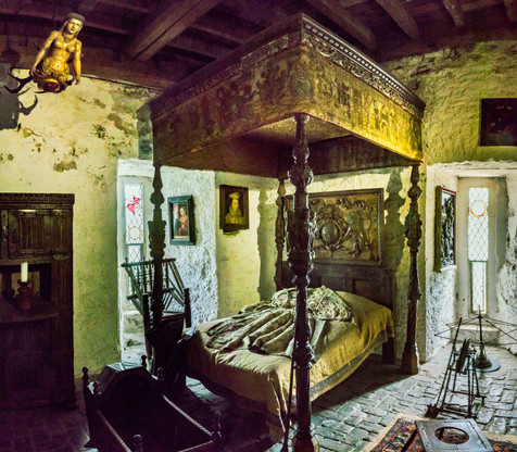 The Master's Bedroom - Bunratty Castle, County Clare