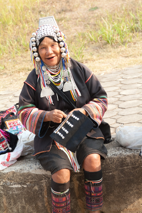 The Salewoman - Tha Ton
