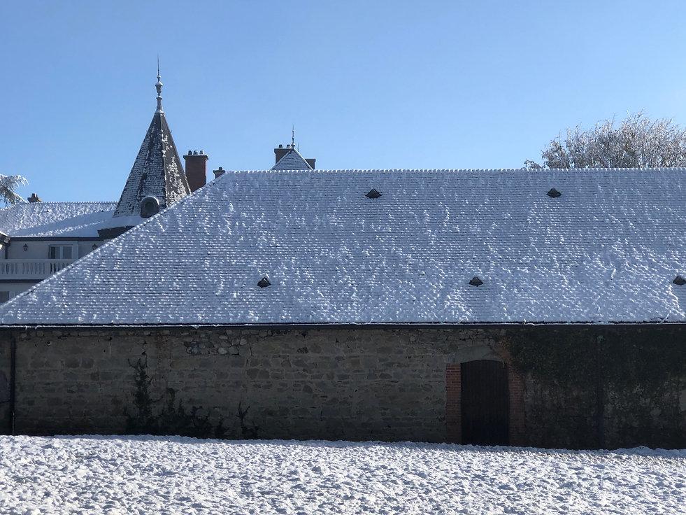 pommiere neige chateau.jpg