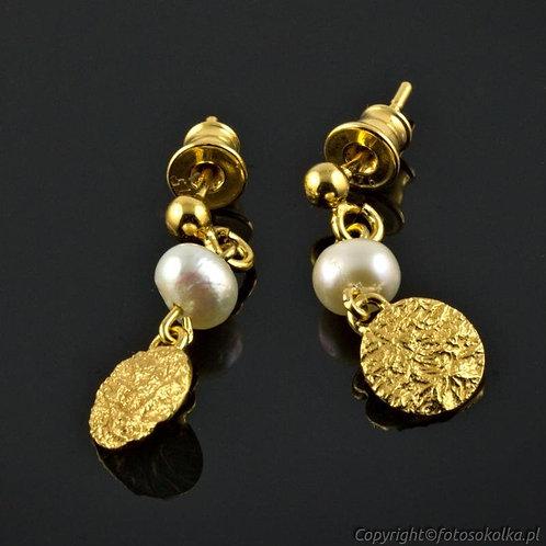 Kolczyki perłowe ze złoconym srebrem