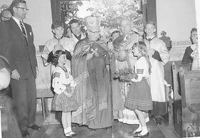 03 - Bishop Senysyn Father Malianak.jpg