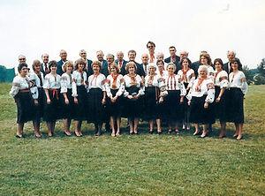1985 choir members.jpg